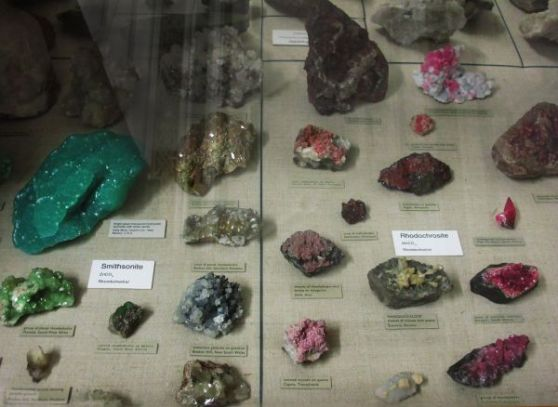 Helena-Maratheftis-rocks-and-minerals-08